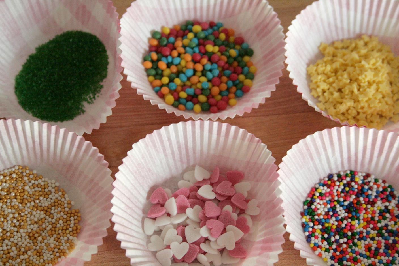 Как сделать сахарные украшения для торта - Woman s Day 41